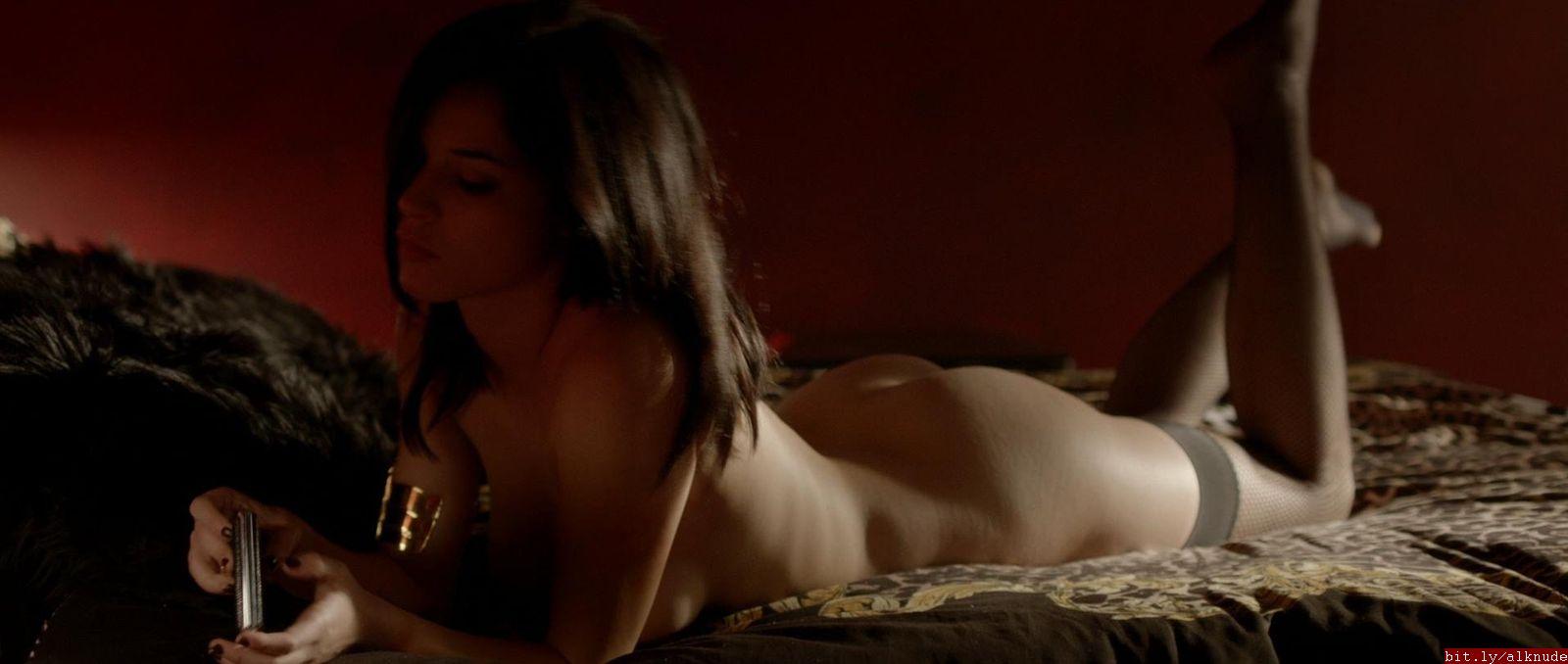 alexis knapp naked
