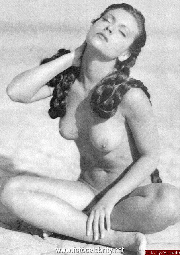 Alyssia Milano Nude 84