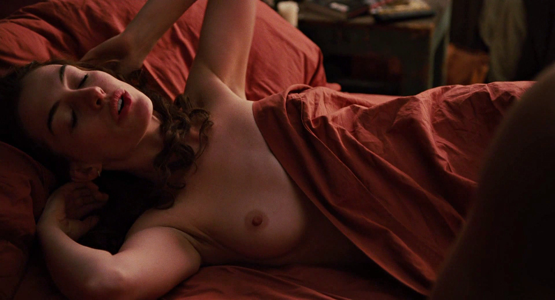anne hathaway nude is just plain awesome (20 pics)