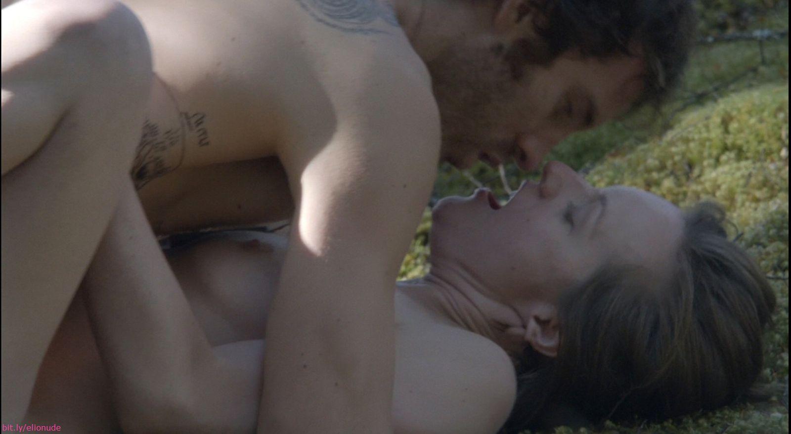Elizabeth moss nude
