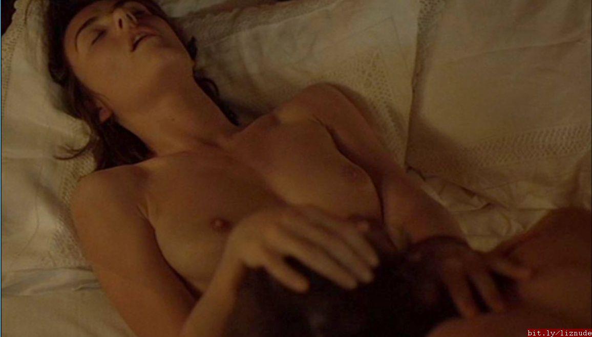 kelly nude pics Elizabeth