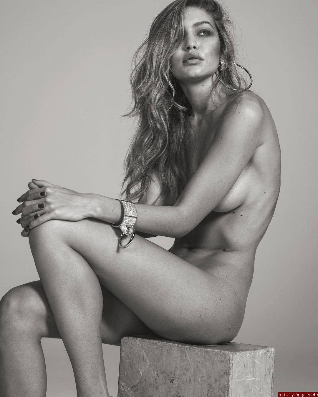 Gigi Nude 22