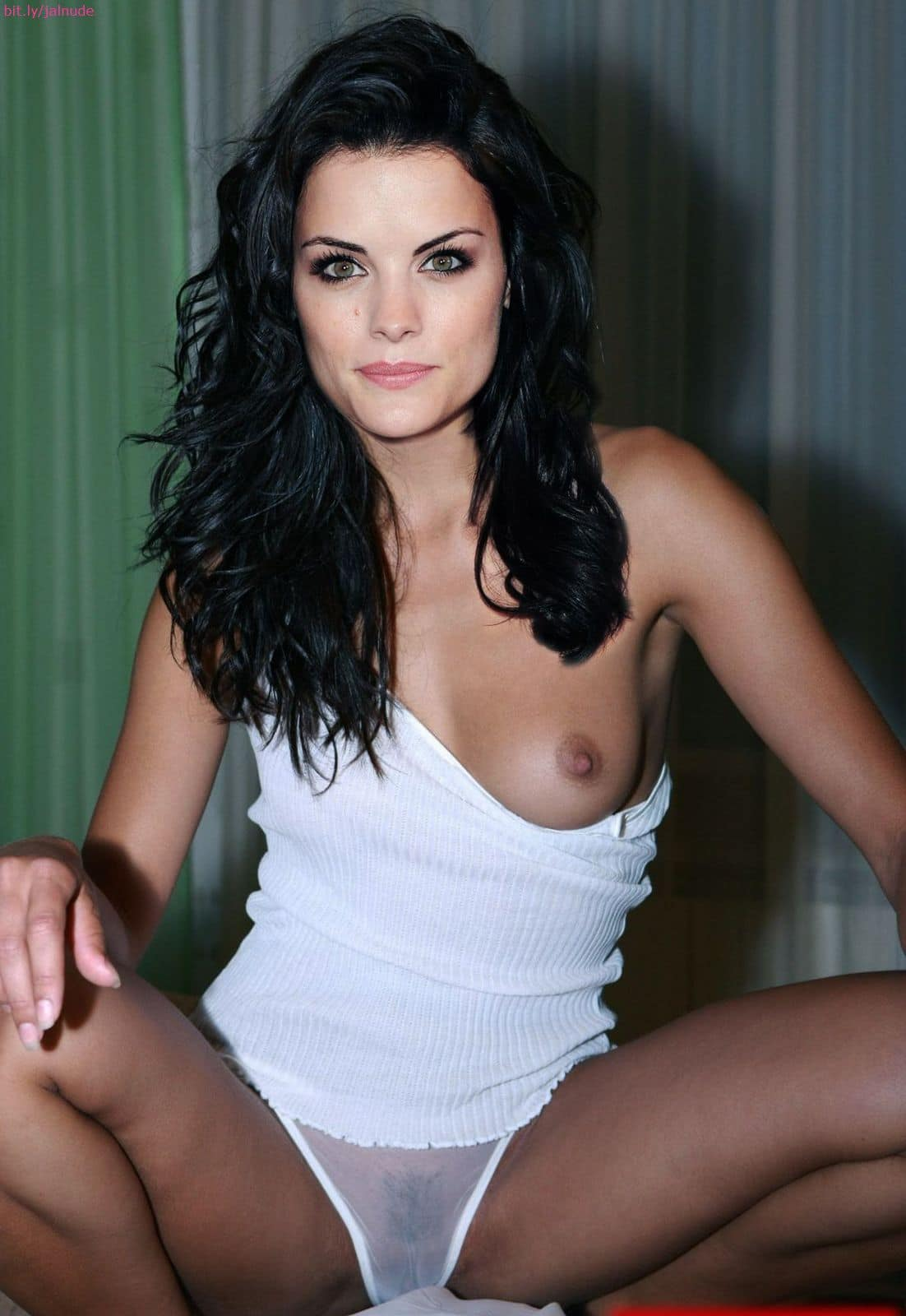Jaimie Alexander Nude - Lady Sif Gets Naked for the Boys ...