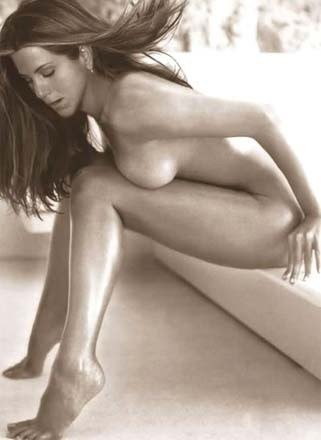Vietnamese jennifer aniston goes nude nude