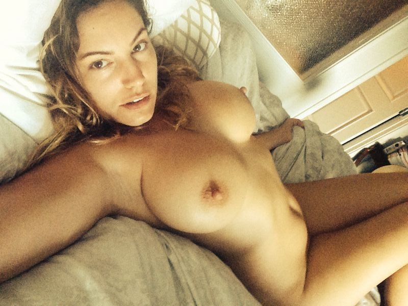 http://www.hecklerspray.com/wp-content/gallery/kelly-brook-leaked-nudes/kelly-brook-leaked-nudes-01.jpg