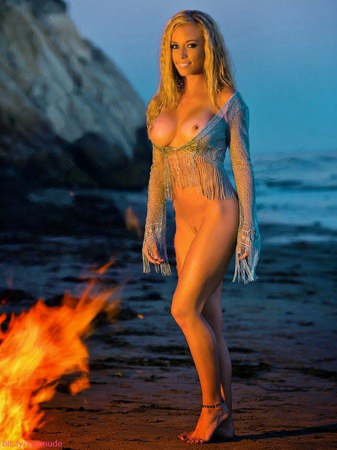 Kendra Wilkinson In Nude