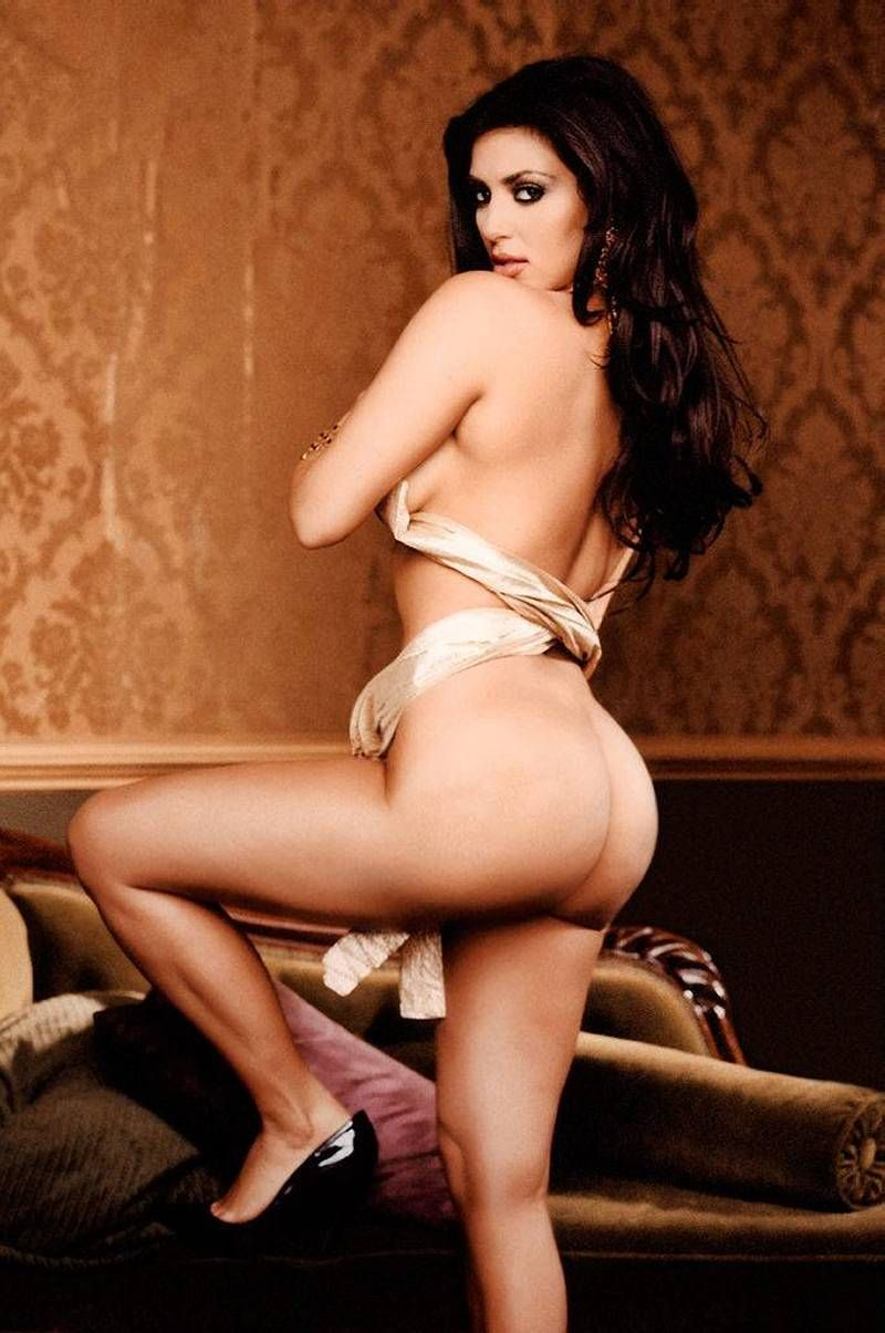 kardashian forum playboy kim nude