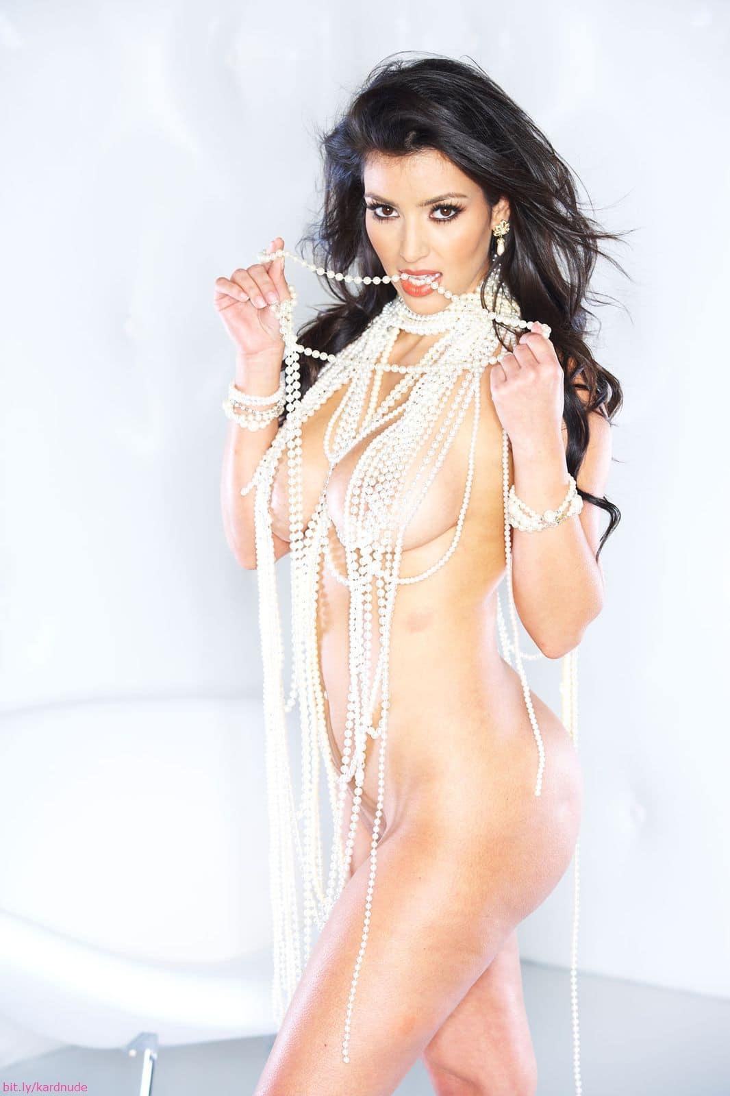 kim kardashian posing nude for playboy