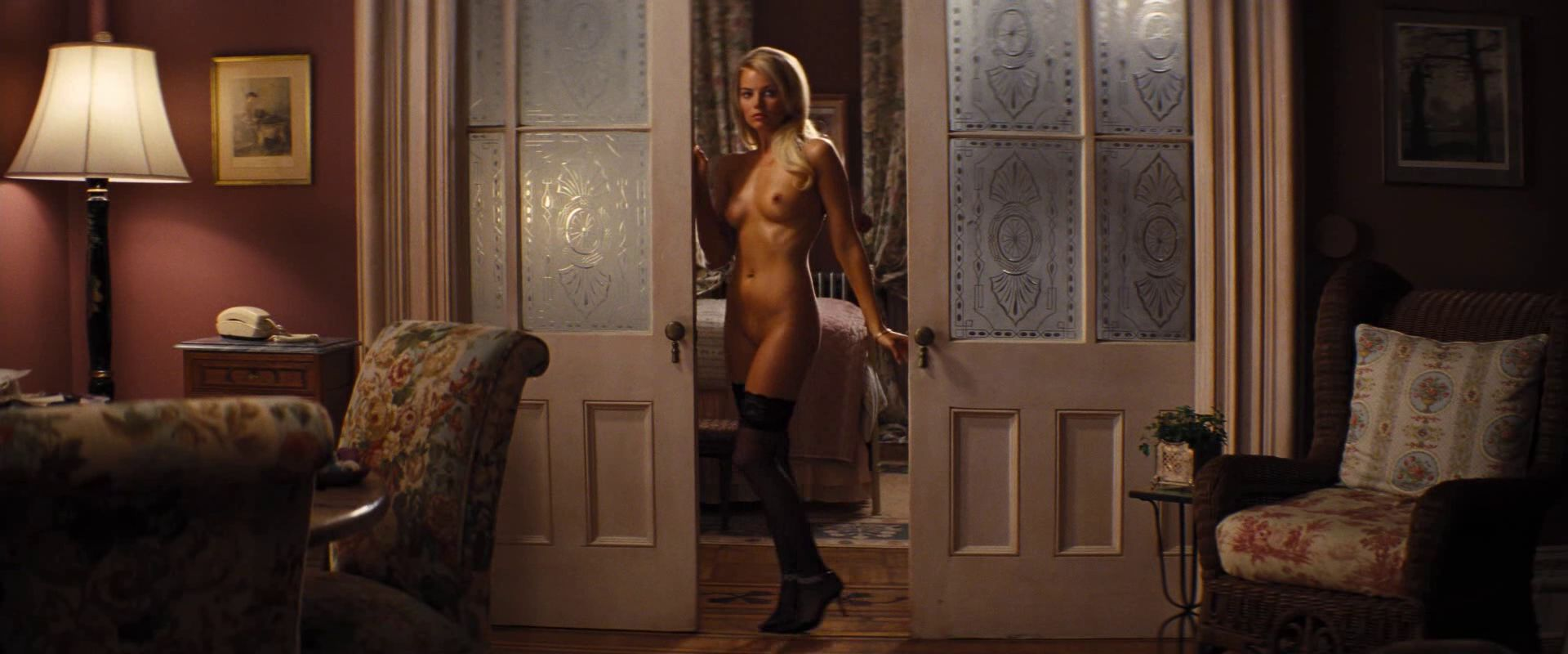 margot robbie nude wolf of wall street
