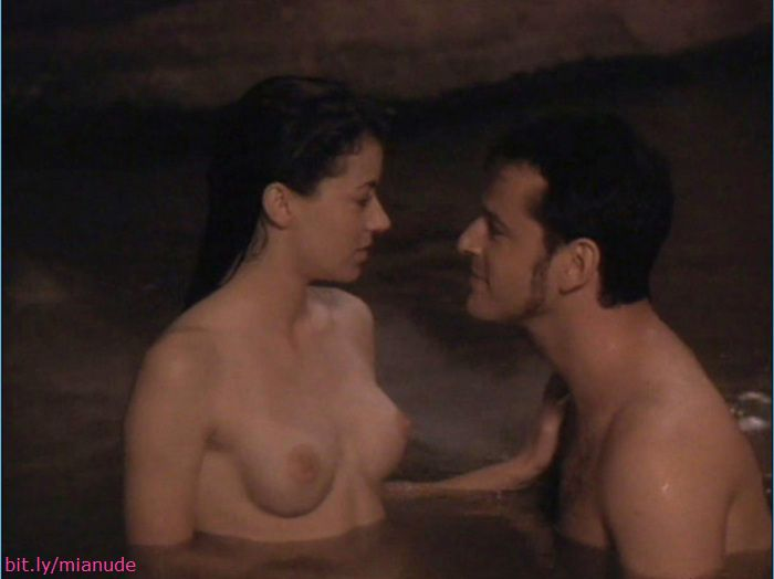 Phoebe cates nude scene paradise nude by the waterfall 9
