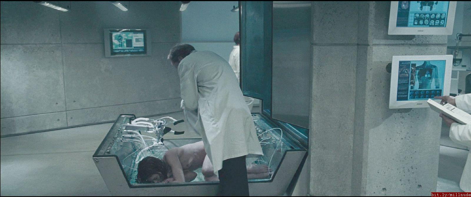 Milla jovovich nude resident evil