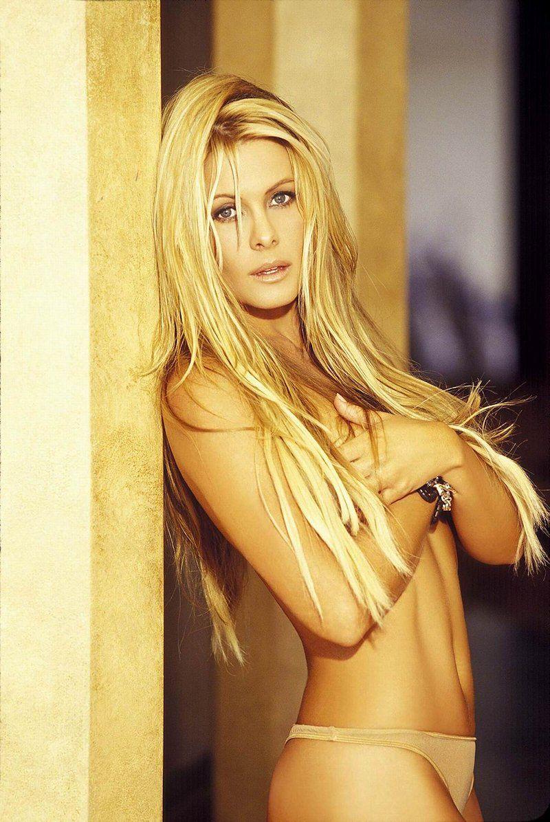 Nicole Eggert Naked 105