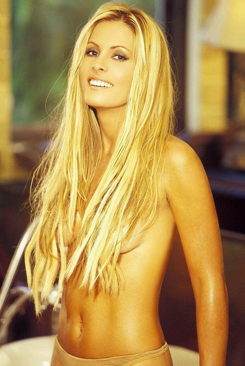 Nicole Eggert Naked 81