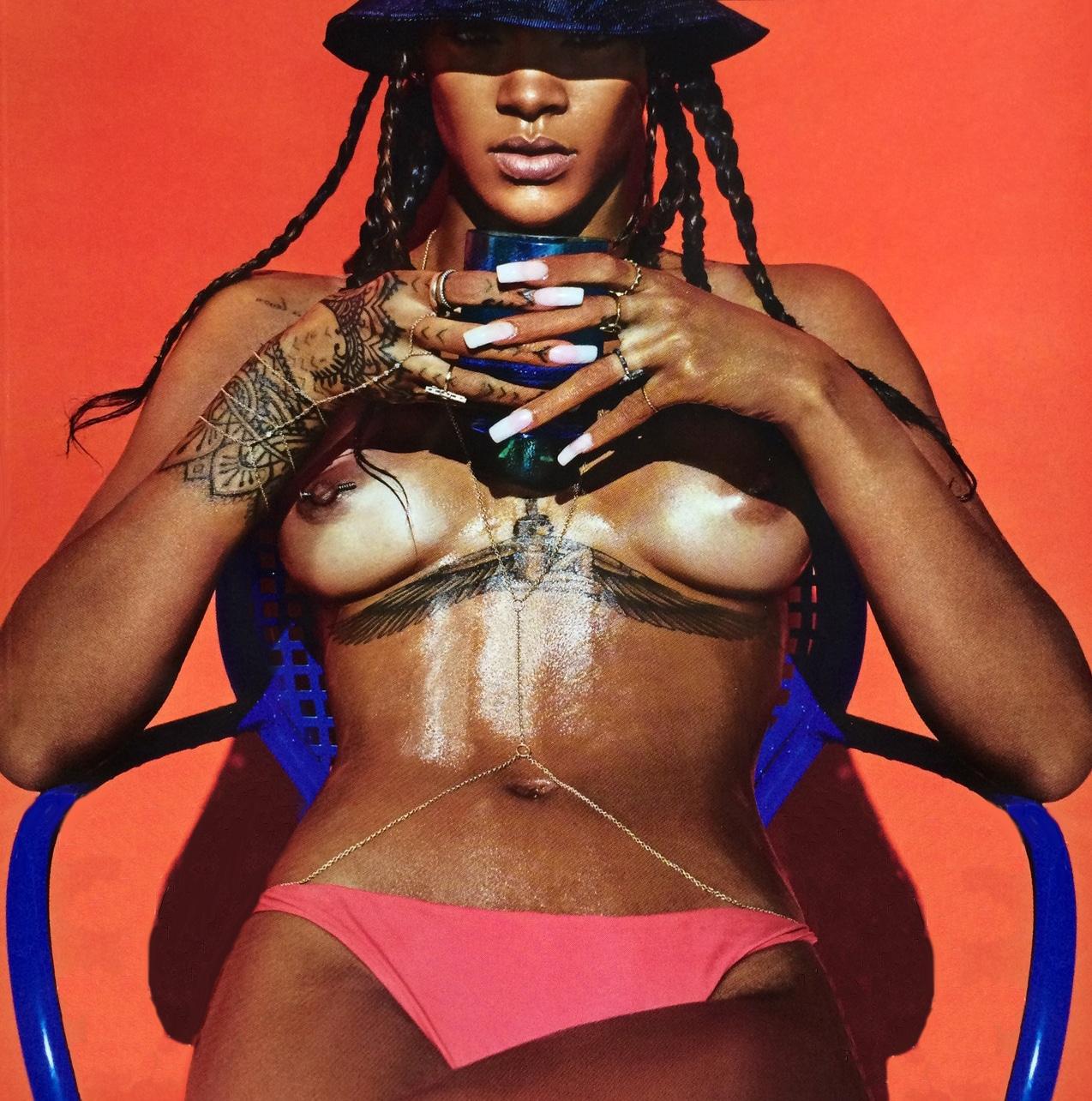 Rihanna gets naked share