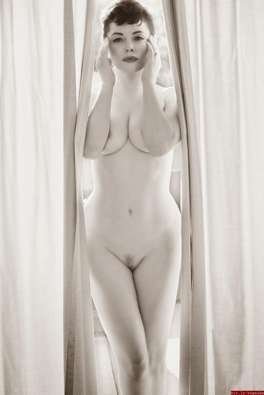 Rose Mcgowan Nudes 116