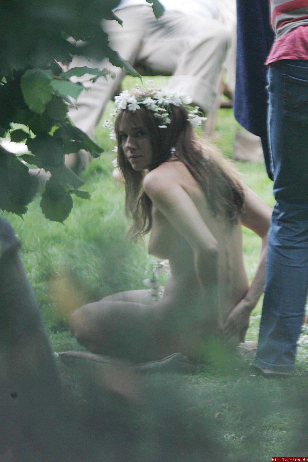 Sienna Miller Nude Hippie 38