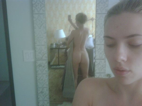 scarlett johansson nude leaked photo