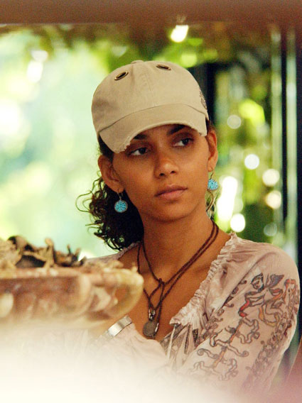 Halle Berry Without Makeup