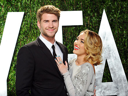 miley cyrus liam engaged