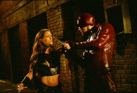 Jennifer Garner as Elektra fighting Ben Affleck's Daredevil.