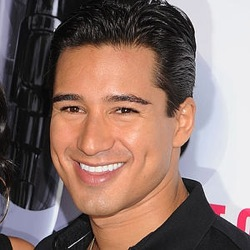 Mario Lopez Is A Shiny Happy Person