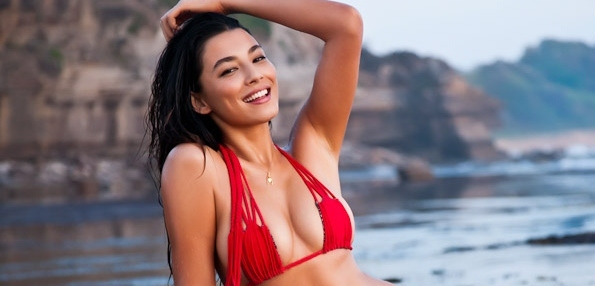 Jessica Gomes Looking Good