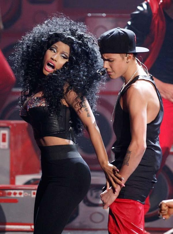 Nicky Minaj and Justin Bieber at the AMAs