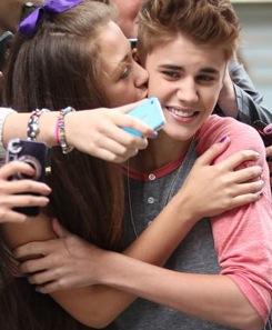 Justin Bieber fans are pretty terrible