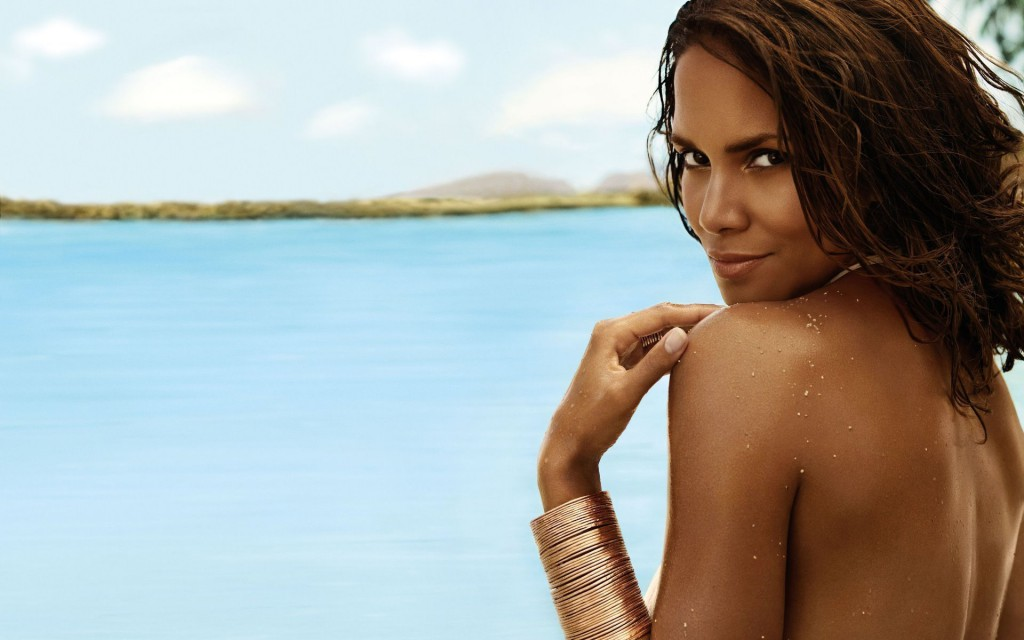 Halle Berry undressed