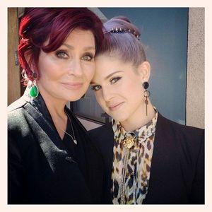 Kelly-Sharon-Osbourne