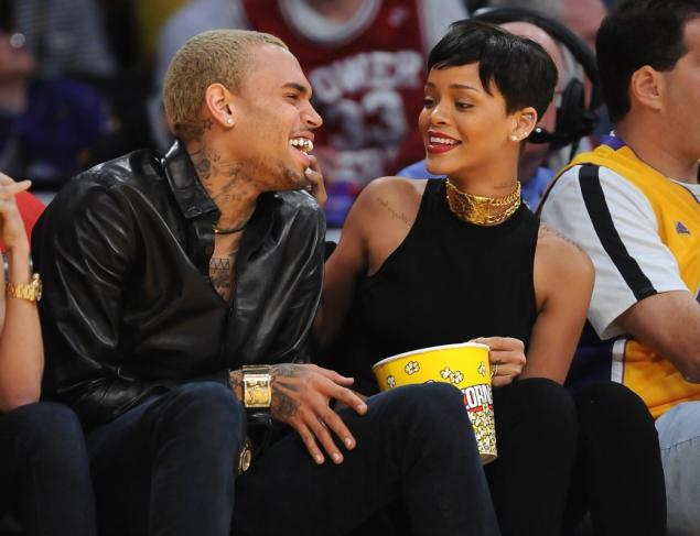 Chris Brown Rihanna choker lakers