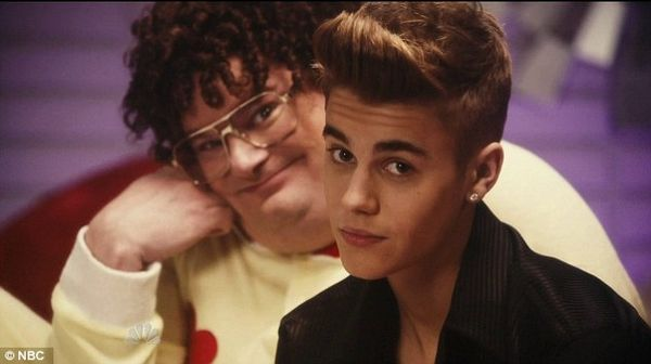 justin-bieber-and-taco