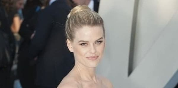 Alice Eve looking beautiful