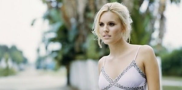 Maggie Grace looking beautiful