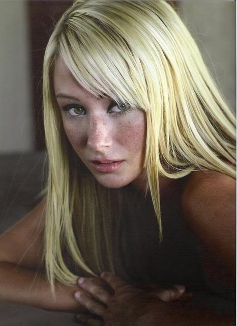 Sara Jean Underwood no makeup