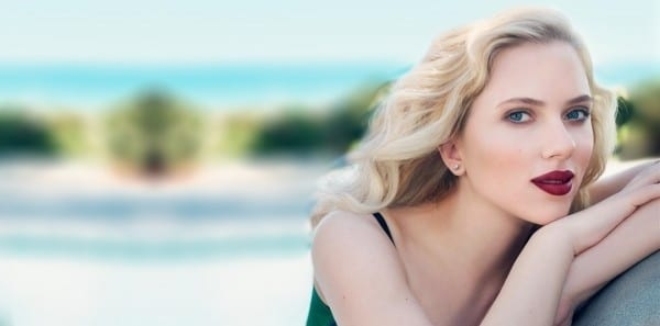 Scarlett Johanasson glamorous