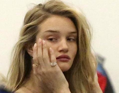 Rosie Huntington Whiteley no makeup