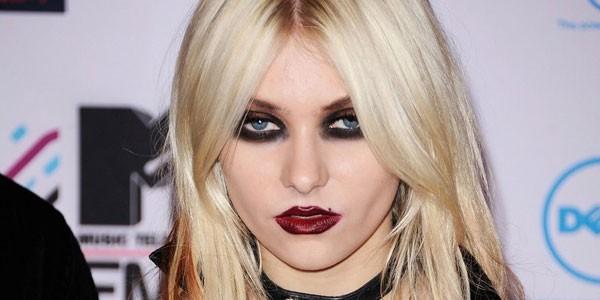 Taylor momsen without