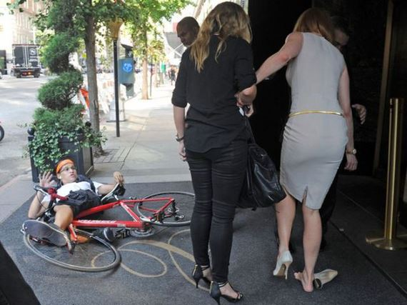 Nicole Kidman Knocked Over By Paparazzo On Bike