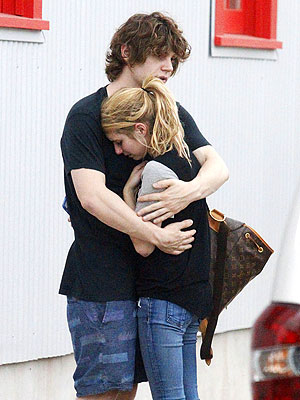Emma roberts and evan peters crying