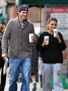 Ashton Kutcher Mila Kunis Walking In NY