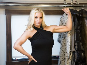 Jessica Simpson Muscle