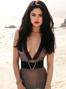 Selena Gomez Nude Photos Exposed... You Must See This! (PICS)