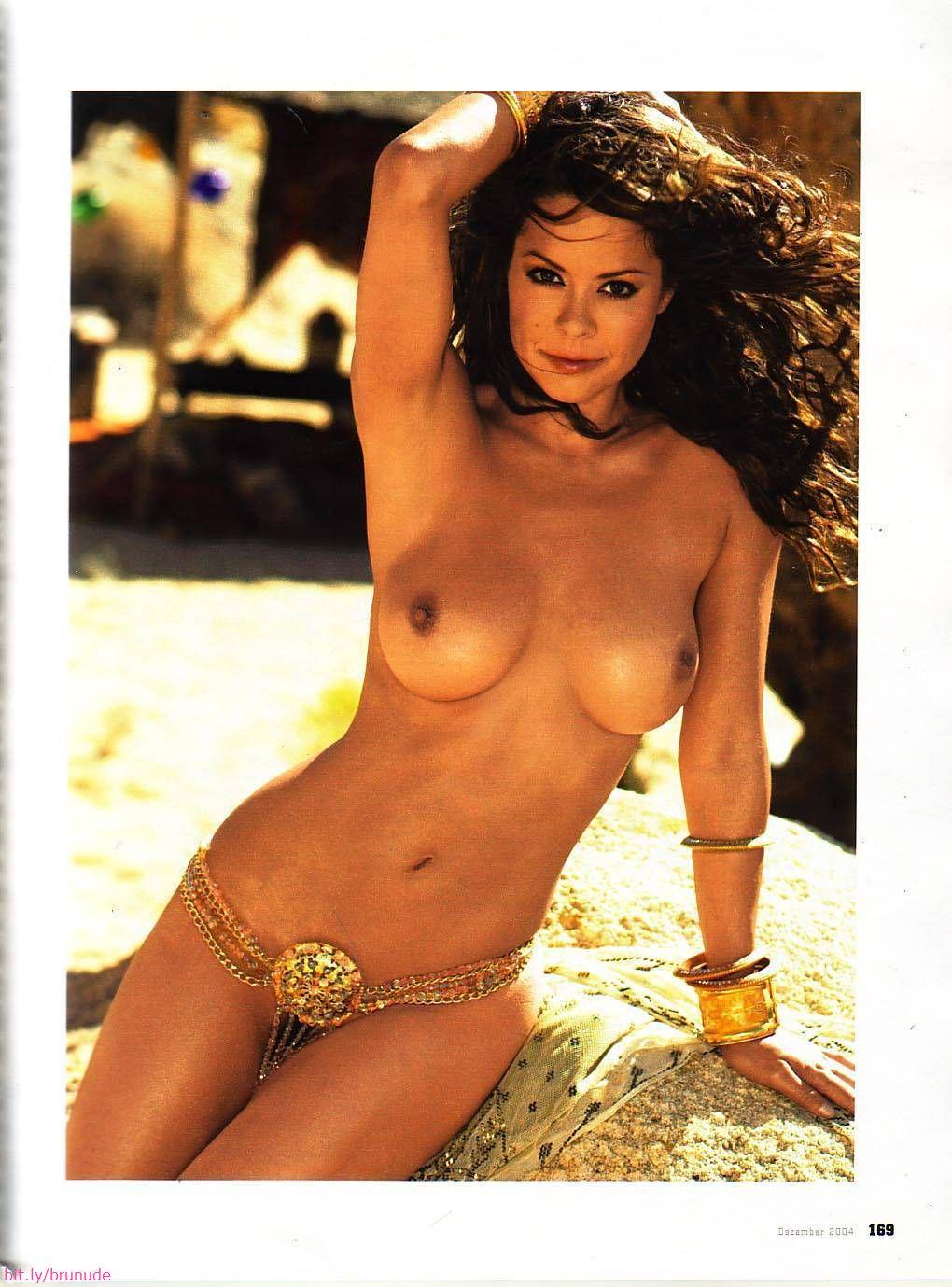 Naked girl puke