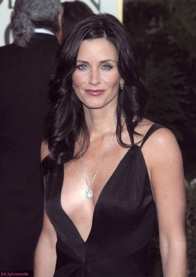 Courteney Cox Nude - She's the Hottest Friend We Know! (75 PICS)