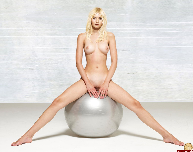 elisha cuthbert nude photos