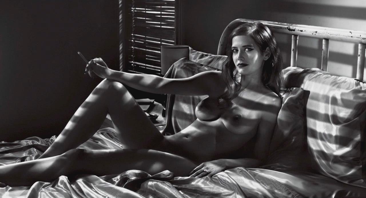 Plump nude amateur milf